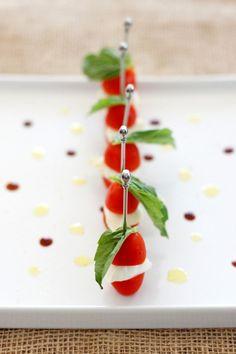 カプレーゼの果実風盛り付け