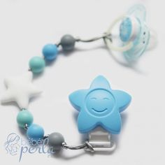 Is your bébé always losing their pacifier? I don't know about you, but I've spent hours trying to find it! Bébé Perla has a solution: our Pacifier Clips ensure that their pacifier is always at hand - no more searching on your hands and knees, as our Pacifier Clips attach to your child's clothing!