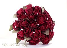 Passion Bouquet - bouquet com 28 rosas em origami, pérolas e cristais na haste.