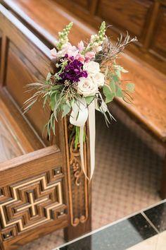 Church Wedding Flowers, Wedding Pews, Aisle Runner Wedding, Wedding Cakes With Flowers, Chapel Wedding, Church Aisle Decorations, Pew Decorations, Wedding Arrangements, Floral Arrangements
