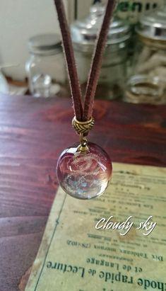 珠~ユニセックスに使える渦珠・レッド~ | Cloudy sky Kawaii Jewelry, Cute Jewelry, Jewelry Accessories, Jewelry Design, Making Resin Jewellery, Resin Jewelry, Jewelry Crafts, Uv Resin, Resin Art