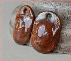 "2 Porcelain Earrings "" metallic red """
