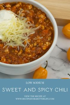 This sweet and spicy chili will hit the spot no matter what you are craving! Loaded with healthy ingredients that gives it a kick of extra flavor Healthy Diet Snacks, Healthy Comfort Food, Nutritious Meals, Healthy Dinner Recipes, Low Salt Recipes, Low Sodium Recipes, Chili Recipes, Rich Recipe, Spicy Chili