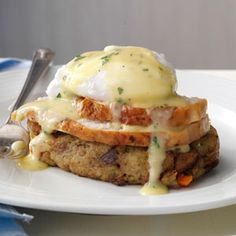 Turkey & Stuffing Eggs Benedict Recipe- Recipes This is a fun way to enjoy holiday leftovers as if presenting them for the first time. Serve for brunch, with champagne and cranberry juice. Egg Recipes, Turkey Recipes, Brunch Recipes, Breakfast Recipes, Cooking Recipes, Breakfast Ideas, Thanksgiving Leftover Recipes, Thanksgiving Leftovers, Gourmet