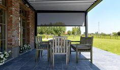 Pergola and vertical blinds - Outdoor Living Pod Brustor - sun canopy