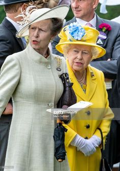 Queen Elizabeth II and Princess Anne, Princess Royal attend Royal Ascot Day 1 at Ascot Racecourse on June 2018 in Ascot, United Kingdom. (Photo by Mark Cuthbert/UK Press via Getty Images) Hm The Queen, Royal Queen, Her Majesty The Queen, Royal Princess, Princess Elizabeth, Queen Elizabeth Ii, Princesa Margaret, Casa Real, Elisabeth