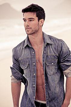 Bernardo Velasco. He is soooooo handsome!