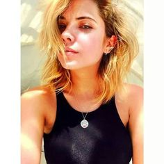 Selfie by Ash herself! Ashley Benson, Ryan Ashley, Creepy Photos, Hanna Marin, Victoria, Love Her Style, Celebs, Celebrities, Pretty Little Liars