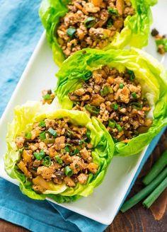 Easy vegetarian lettuce wraps recipe - Tastes EXACTLY like the famous PF Changs lettuce wraps! Recipe at wellplated.com | @wellplated Lettuce Wrap Recipes With Tofu, Vegetarian Lettuce Wraps, Ovo Vegetarian, Vegetarian Recipes, Recipe Sites, Recipe Link, Tofu Mushroom Recipe, Pf Changs Lettuce Wraps, Copycat