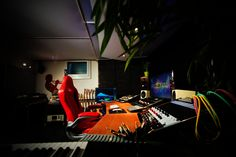 Mastering and Mixing Studio: Mondstein Records