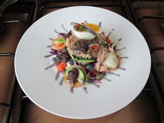 Gino D'Aquino / Petit salade Nicoise avec thon sous huile ^ _ ^ no  fraìche et sauce au chou rouge  /  Gino D'Aquino