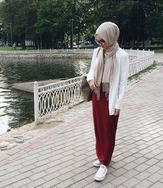 new ideas fashion hijab style chic muslim Islamic Fashion, Muslim Fashion, Modest Fashion, Hijab Fashion, Girl Fashion, Fashion Outfits, Hijab Casual, Hijab Chic, Hijab Outfit