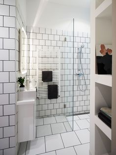 Tiny Apartment - POSITION Collective - Budapest - Bathroom - Humble Homes