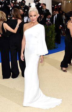 The Best Dresses at the 2017 Met Gala - Kate Hudson in white Stella McCartney