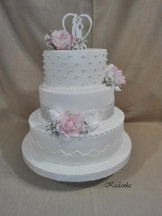 Svadobná torta, Svadobné torty