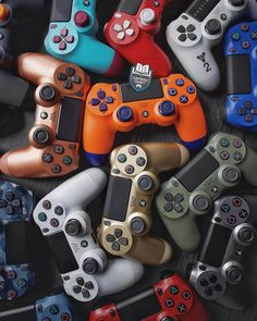 How many controllers! Ps Wallpaper, Colourful Wallpaper Iphone, Game Wallpaper Iphone, Iphone Homescreen Wallpaper, Batman Wallpaper, Supreme Wallpaper, Best Gaming Wallpapers, Dope Wallpapers, Consoles
