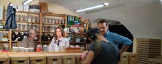 """""""Zurück zur Natur"""" mit Maggie Entenfellner bei uns in der Perfumum-Räucherwerkstatt. Work Shop Garage, Nature"""