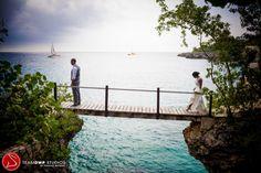 stunning image (md) colorful-negril-jamaica-wedding-Dwayne-Watkins-photography-Shineva-Tyejuan-43
