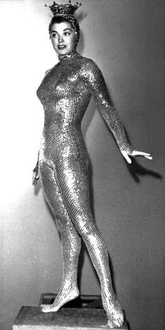 "Esther Williams in her gold sequined costume for ""Million Dollar Mermaid:)"
