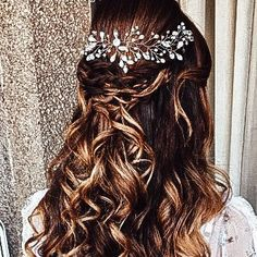 ⭐This is must have every bridesmaid ✔️Give the right gift to bridesmaid Bohemian Headpiece, Chain Headpiece, Beach Wedding Headpieces, Headpiece Wedding, Hippie Hair, Bridal Hair Vine, Rose Gold Hair, Wedding Hair Pieces, Wedding Hairstyles