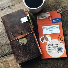 Diy Notebook, Journal Notebook, Calligraphy Pens, Caligraphy, Leather Travel Journal, Journal Organization, Handmade Books, Coffee Love, Bullet Journal Inspiration