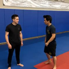 Fight Techniques, Jiu Jitsu Techniques, Martial Arts Techniques, Self Defense Techniques, Krav Maga Techniques, Martial Arts Videos, Krav Maga Self Defense, Self Defense Moves, Self Defense Martial Arts
