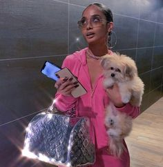 Find images and videos about pink, vintage and dog on We Heart It - the app to get lost in what you love. Boujee Aesthetic, Black Girl Aesthetic, Aesthetic Pictures, Foto Glamour, Early 2000s Fashion, Haute Couture Paris, Bad And Boujee, Rich Girl, Mode Style