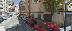 Agentes de la Policía Nacional han detenido este lunes en Valencia a una mujer como presunta autora de la muerte de su pareja, de 42 años, a quien asestó varios puñaladas con un arma blanca.