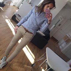 Chino Pant & Sun ☀️!! #springiscoming#outfit#outfitoftheday#dailylook#dailyoutfit#instafashion#fashionpost#fashiondiaries#wiwt#metoday chemise#zara pantalonchino#hod baskets#goldengoose