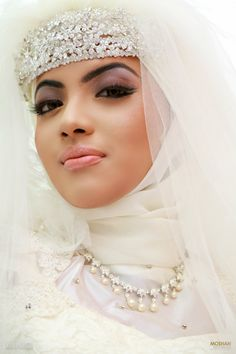 Hijab Bride Dressed by Aroshi Perera Photographed by Moshan For more information please visit us at -----> https://www.facebook.com/pages/Hair-By-Aroshi/247225318626743