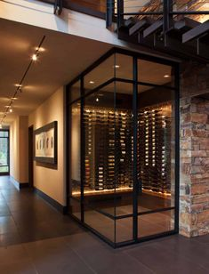 Home wine cellars - Fabulous mountain modern retreat in the High Sierras – Home wine cellars Modern Home Interior Design, Modern House Design, Home Design, Modern Home Bar Designs, Modern Bar, Style At Home, Wine Cellar Basement, Wine Cellar Design, Wine Cellar Modern