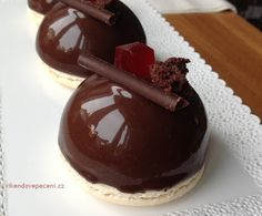 Chocolate Fondue, Chocolate Cake, Mousse Cake, Mini Cakes, Baked Goods, Tart, Food And Drink, Dessert Recipes, Pudding