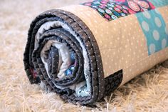 birdeebee: I proudly present {Der 365-Tage-Quilt}. The quilt all rolled up