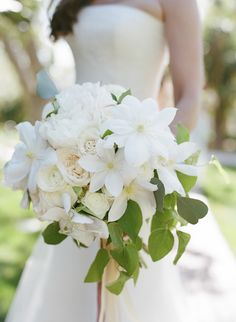 16 Stunning Summer Wedding Flowers---white elegant wedding bouquet with greenery for garden weddings, spring All White Wedding, White Wedding Bouquets, Green Wedding, Spring Wedding, Elegant Wedding, Bridal Bouquets, Wedding Ribbons, Purple Bouquets, Flower Bouquets