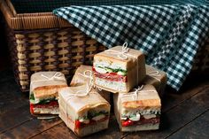 These Picnic Perfect Pressed Italian Picnic Sandwiches are great for Summer eating, whether a BBQ or a picnic. Easy to make ahead and they travel well! Recipe here - Pressed Italian Picnic Sandwiches Picnic Sandwiches, Italian Sandwiches, Mini Sandwich Appetizers, Gourmet Sandwiches, Wrap Sandwiches, Tapas, Good Food, Yummy Food, Le Diner