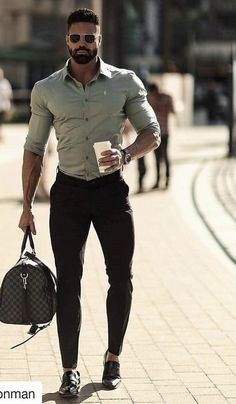 Mens trendy outfits - Outfits For Guys With Great Physique Stylish Mens Outfits, Casual Outfits, Men Casual, Mode Masculine, Masculine Style, Formal Men Outfit, Herren Outfit, Mens Fashion Suits, Mens Clothing Styles