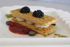 Our recipes: TIRAMISU MILLE-FEUILLE WITH RED FRUITS SALAD