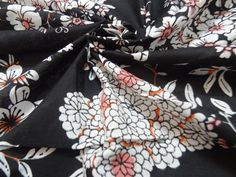 Botonical floral Print-  ****** Quality -100% Cotton ****** Width - 43 inch  Approx *****  ****** Quantity - 1 yard (Price for per yard)  ******