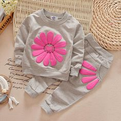 $6.50 (Buy here: http://appdeal.ru/6rrn ) 2016 girls clothing sets cartoon sunflower 2016 spring autumn children's wear cotton casual tracksuits kids clothes sports suit for just $6.50