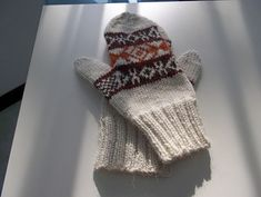 A big Mad Men fan?  You'll definitely want to be making these mittens. Check out the pattern on Ravelry.
