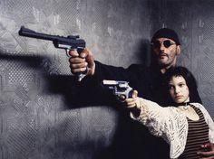 """Leon: The Professional"" promo still, Top to bottom: Jean Reno, Natalie Portman. Jean Reno, Natalie Portman Leon, Best Action Movies, Great Movies, Action Movie Poster, Movie Posters, Movies Showing, Movies And Tv Shows, Leon Matilda"