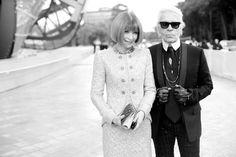 Anna Wintour, rédactrice en chef du Vogue US et Karl Lagerfeld Fondation Louis Vuitton, Frank Gehry, Fashion Show, Fashion Outfits, Vogue Us, High Waisted Pencil Skirt, Anna Wintour, Business Casual Outfits, S Models