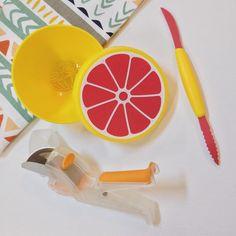 Grapefruit gift set! So cute! http://www.makeyourkitchensmile.com