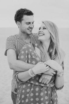 loveshoot fotografie zeeland | couple | love | hug | smile | outdoor | shoot | copyright Hanke Arkenbout Photography
