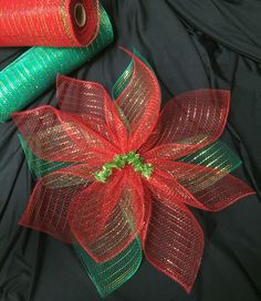 Mesh Poinsettia If I were you, I would freakin' adore me, said the tip that changed my life. Christmas Mesh Wreaths, Diy Christmas Ornaments, Merry Christmas, Christmas Decorations, Diy Christmas Bow, Christmas Swags, Christmas Poinsettia, Rustic Christmas, Deco Mesh Crafts