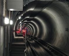 File:Subway train red lights in tunnel.jpg
