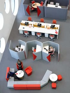 Office Decor Professional Interior Design is very important for your home. Whether you choose the Home Office Decor Inspiration or Corporate Office Interior Design, you will create the best Corporate Office Interior Design for your own life. Open Space Office, Bureau Open Space, Office Space Design, Modern Office Design, Office Furniture Design, Workspace Design, Contemporary Office, Office Workspace, Office Interior Design