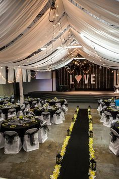 Black, white, & yellow wedding decor