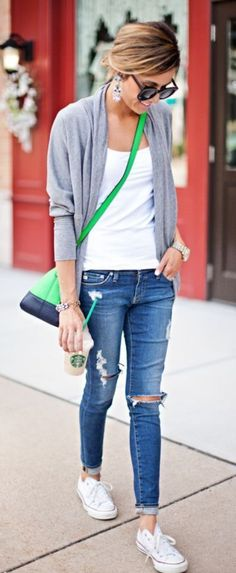 Amazing 45 Ways to Pump Up Your Casual Outfits with a Bright Handbag