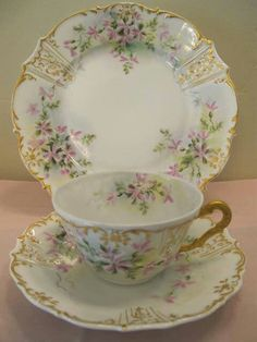 floral and gold tea cup set